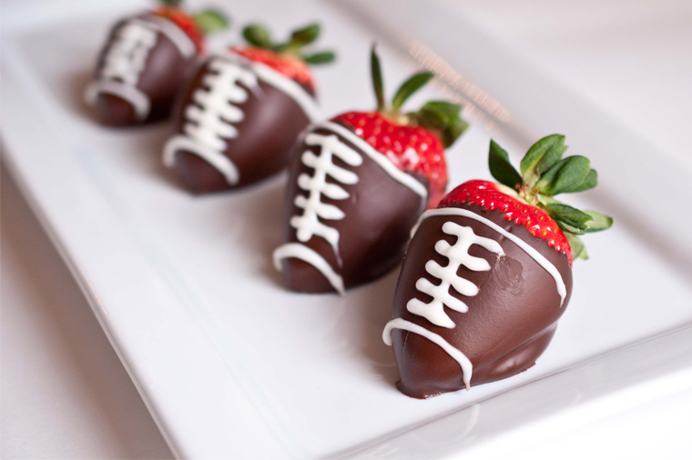 21 Touchdown Recipes for Your Super Bowl Party: Chocolate Covered Strawberries
