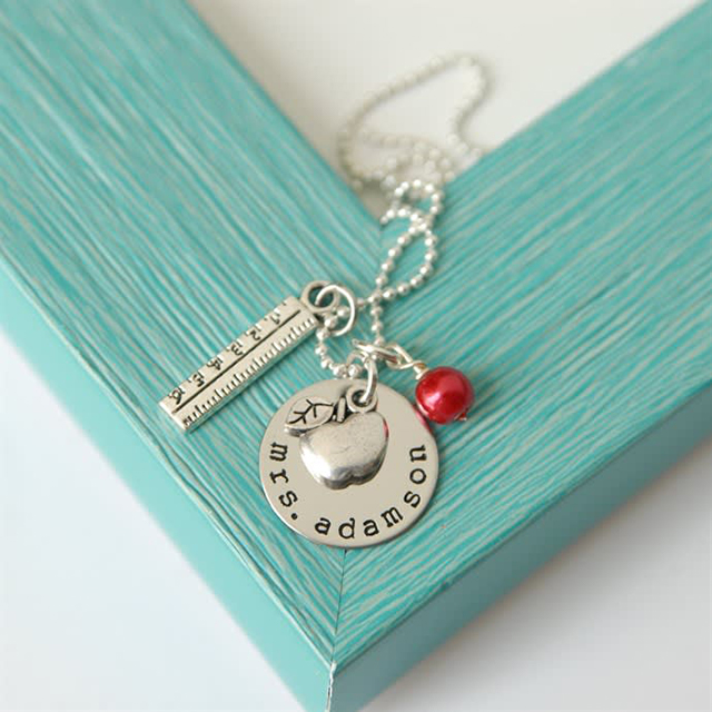 personalized jewlery for teachers