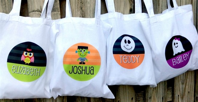 Personalized Halloween Totes | 11 Designs!
