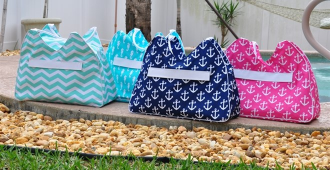 Personalized Beach Bags/Carry All & Cooler Bags | Jane
