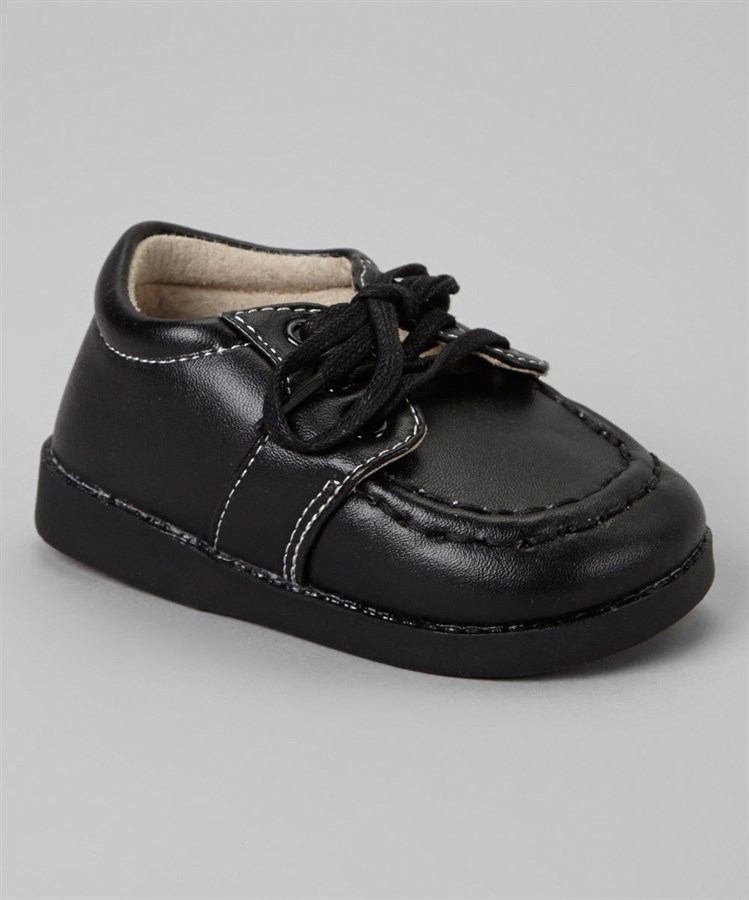 boys squeaky shoes